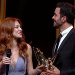 """الثنائي """"دفنه & عمر"""" يحصلون على جائزة أفضل ثنائي لعام 2015 #PanteneAltınKelebek #KiralıkAşk https://t.co/tpjZDRonrC"""