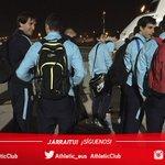 La expedición regresa a Bilbao con los tres puntos. El balón de @AritzAduriz11 lo hace en el autobús. #Athletic https://t.co/JNkhvJTKU7