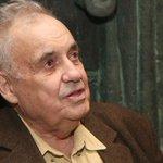 В Москве скончался Эльдар Рязанов. Мы соболезнуем близким и скорбим вместе со всей страной: https://t.co/WVS9qTwgOd https://t.co/erd0nOEGID