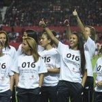 El #SevillaFC comenzó el partido marcándole un gol a la violencia de género https://t.co/OwqePRJXsN https://t.co/YSBtX5EA69