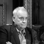 В возрасте 88 лет ушел из жизни режиссер Эльдар Рязанов. https://t.co/IDS2jHczI3