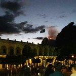 Imágenes que comparten nuestros lectores de la erupción del volcán de Fuego en Antigua Guatemala https://t.co/fWgKT0tlHE