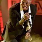 We are here for @Tyrese keeping R&B alive! Sing it! #SoulTrainAwards https://t.co/YNQndGP0L1