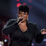 Some people bring light to the world in the form of their art. We thank you for that @missjillscott #SoulTrainAwards https://t.co/Q7Be3s4akZ