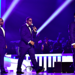 .@BoyzIIMen paying tribute to Babyface at the #SoulTrainAwards https://t.co/ewSnIh1frS