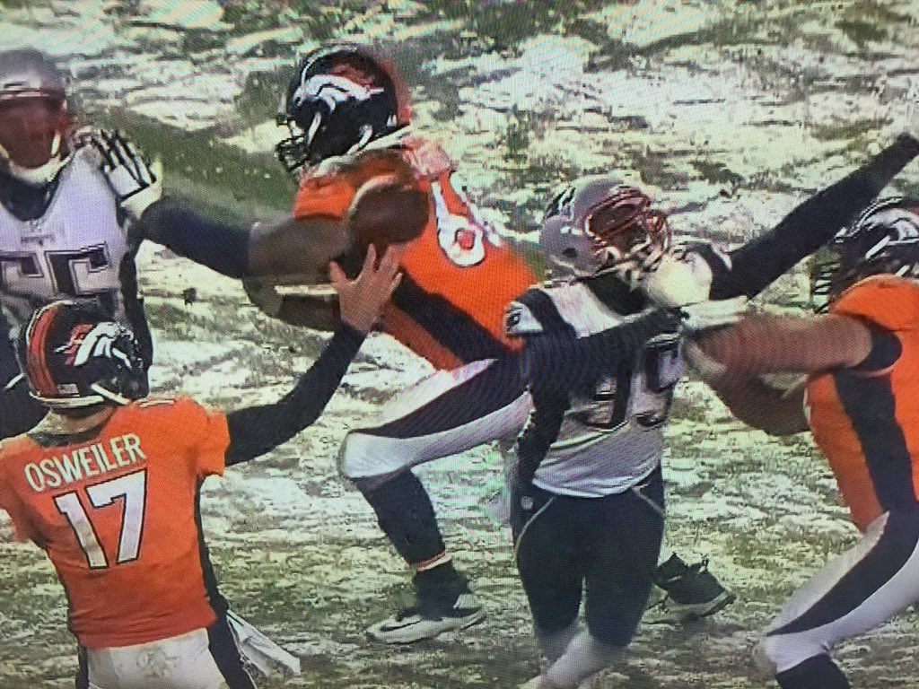 Love the no holding call.  Let them play. https://t.co/xq9fEF0bqw