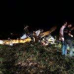 Assim ficou o avião agrícola que caiu em São Vicente do Sul. Piloto Alexandre Félix da Silva, 31, morreu @GauchaSM https://t.co/J041aWq3MN