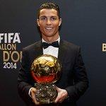 .@Cristiano Ronaldo, entre los tres finalistas al Balón de Oro 2015. ???? ⚽ #HalaMadrid #RealMadrid https://t.co/NSokoa909R
