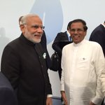 President @MaithripalaS and PM @narendramodi meet in Paris at the @COP21. #COP21 https://t.co/mFrtrk6FZ0