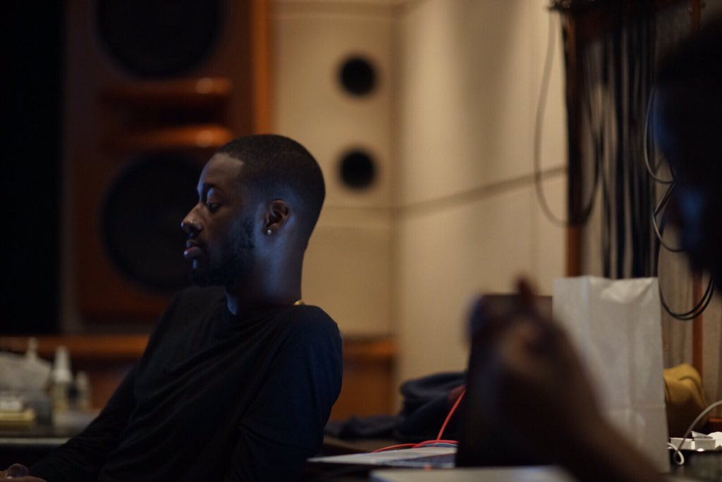"I watched @GoldLink record ""after you left"" , he murdered it in one take. true story. https://t.co/lm58MtjpZW"