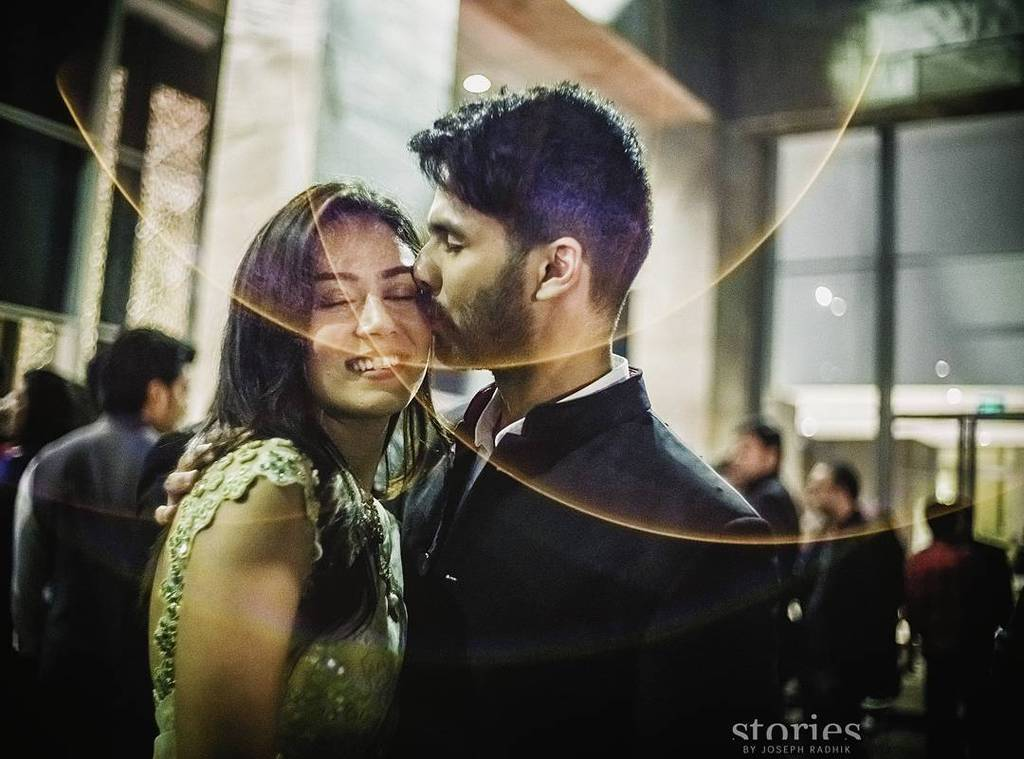 *sigh* Can these two be anymore perfect together? ^_^ @shahidkapoor and #mirakapoor from t… https://t.co/ARqz49mquM https://t.co/fDJnSLKhz1