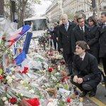 Hommage québécois au Bataclan Texte de Christian Rioux https://t.co/zCrFt9CGz5 https://t.co/6SbQ2yPycf