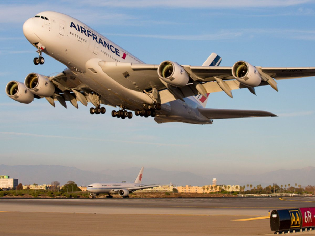 RT @TodayInTheSky: Photo tour: Behind the scenes at LAX (@flyLAXairport) (pic: @photoJDL)