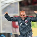 "Sampaoli y nominación de @FIFAcom: ""Me pone orgulloso, lo dedico al pueblo de #Chile"" https://t.co/pMKvSoc4g4 https://t.co/2kzJEJ36KS"