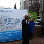 #Boston Chief of Civic Engagement, Jerome Smith snaps a selfie. Wants people to share ideas for #imagineboston 2030 https://t.co/YmEXxg5mZA