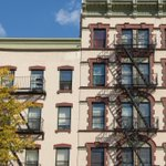 Many #NYC apartments have fire escapes. See our tips for renting an apartment with them: https://t.co/0xSUutdE9p https://t.co/86UaLUzyQu