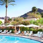 Hello, sunshine: #Phoenix has more than 300 sunny days a year. https://t.co/JTH1IbkBek