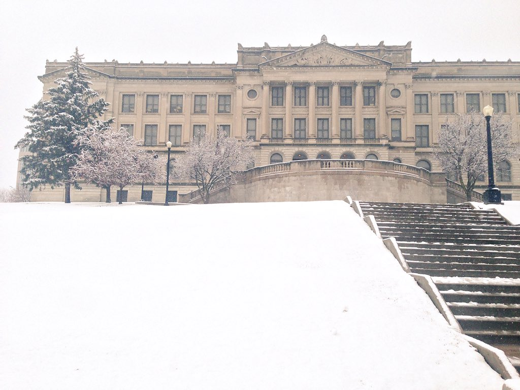 You say your school looks more majestic in the winter time, I'll call you a liar ❄️⛄️ https://t.co/Bkw0KRCEjP
