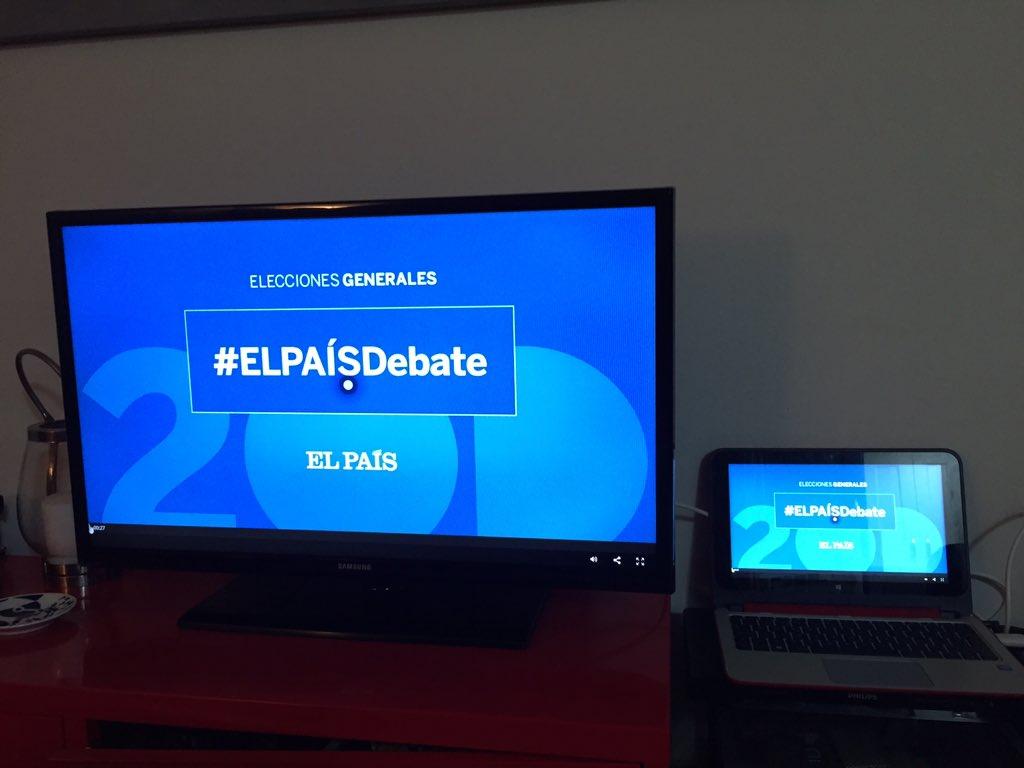 Ver el primer debate en un periódico que emite en internet y visualizo en mi tv. Si que hemos cambiado #ELPAISDebate https://t.co/r6MjiA8Cn5