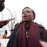 ". @NAACPmpls Nekima Levy-Pounds: ""We stand united."" #BlackLivesMatter #JamarClark #4thPrecinctShutDown v @MPRnews https://t.co/p77bc2LcWA"
