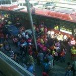 via @ana16M: San Jacinto intransitable cierre de campaña de la melendes y trajeron gente para llenar la cuadra https://t.co/mJVAdEUmwf