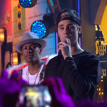Watch @JustinBieber​s touching acceptance speech from the #HALOawards right here. https://t.co/9V5KuwJ30d https://t.co/kWibqDzGvD
