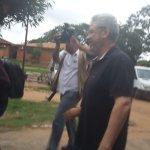#AHORA Froilán Peralta sale de la Penitenciaría de Tacumbú rumbo al Dpto .de Judiciales para su posterior libertad. https://t.co/3w22UPwRPG