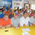Candidatos de movimiento Gente Nueva declinan para consolidar la unidad en la MUD-Bolívar: https://t.co/Jj4BM7aF7l. https://t.co/Lbcw6zoxVu