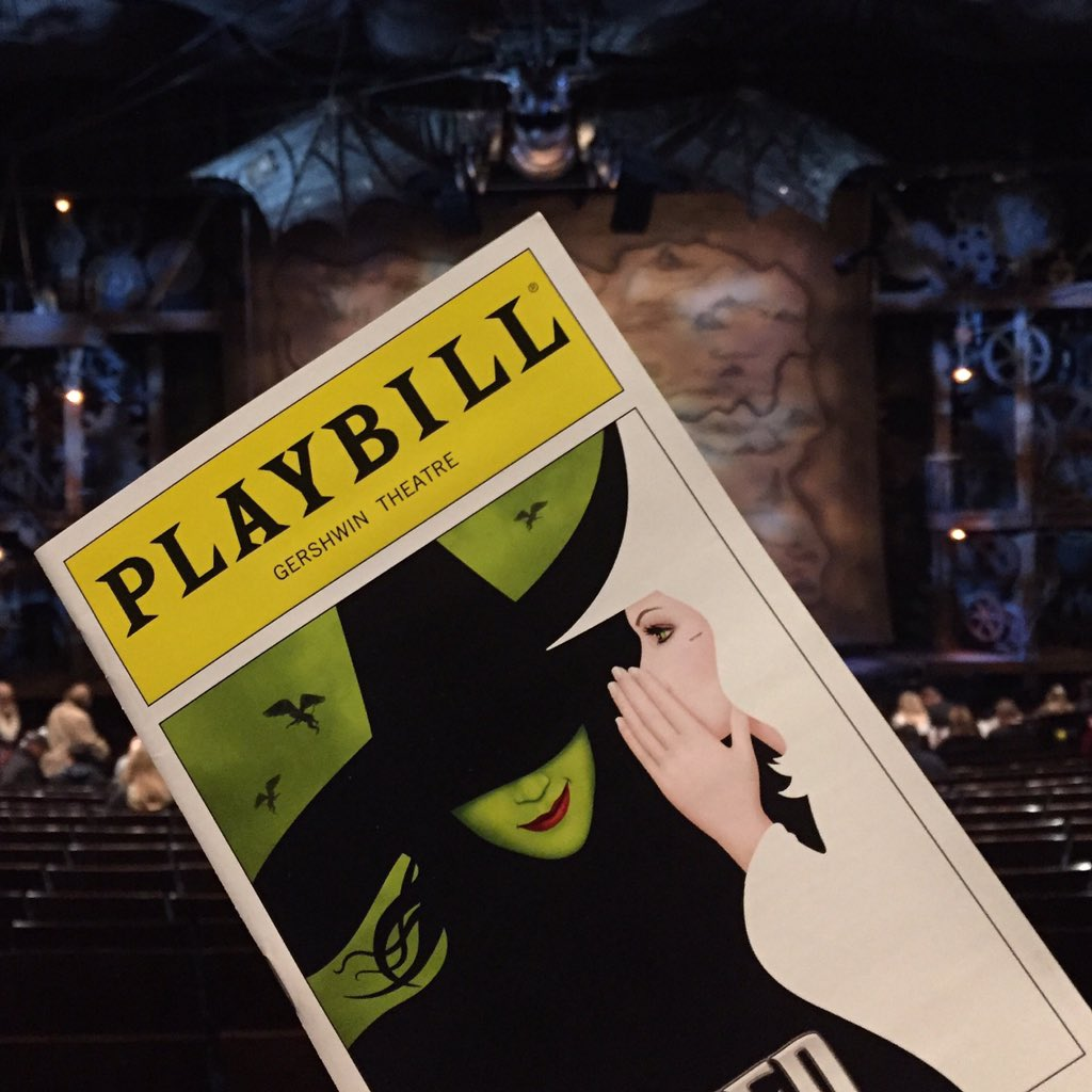 If you haven't seen @WICKED_Musical in a while, GO while @racheltucker1 is in it. https://t.co/ld6AUPHGO5 https://t.co/5waYJU1Utm