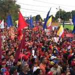Cuanto amor sentimos hoy al ver desbordada las calles de Lara apoyando a los candidatos de Chávez! https://t.co/nrpaSsIXpA