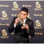 .@jamesdrodriguez nos da otra satisfacción: mejor volante de @LaLiga 2014-2015. ¡Colombia está orgullosa de su 10! https://t.co/IOnjqOUann