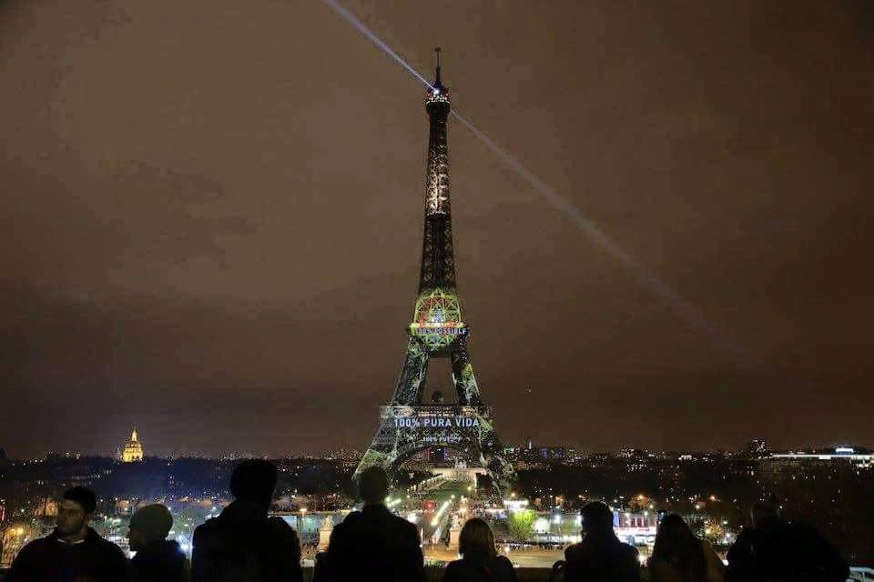 Costa Rica honored at Paris climate talks with message on Eiffel Tower: https://t.co/SS334SRaZL #puravida #COP21 https://t.co/7zTIagRIr2