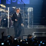 FOTOS | Luis Miguel deleitó a sus fanáticas chilenas en concierto → https://t.co/qKxjEVSIpZ https://t.co/bAsCzIdoqs