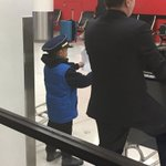 saw this lil kid at the airport today waiting for someone, hes like 6 and hes holding a sign with a name on it????????❤️ https://t.co/FakokB2V5H