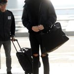 Lets go Hong Kong! Lee Kwangsoo spotted at the airport heading to #2015MAMA! Look at those looong legs ???? @MnetMAMA https://t.co/6BW6qJaMq8
