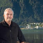 Hallan muerto en su casa al alcalde de capital de Alaska https://t.co/KokzPI5IHf https://t.co/iifN77Ywcl