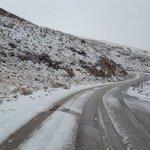 الثلوج تتساقط في الارز ...والطريق سالكة للسيارات المجهزة https://t.co/dgw4B8x3OP #لبنان https://t.co/xs3kkIogNW