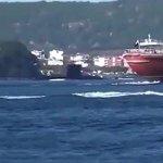 Кадры опасного сближения турецкой подлодки с кораблем ВМФ РФ в Дарданеллах https://t.co/VmicehtYWe https://t.co/kXQbrdNg0n