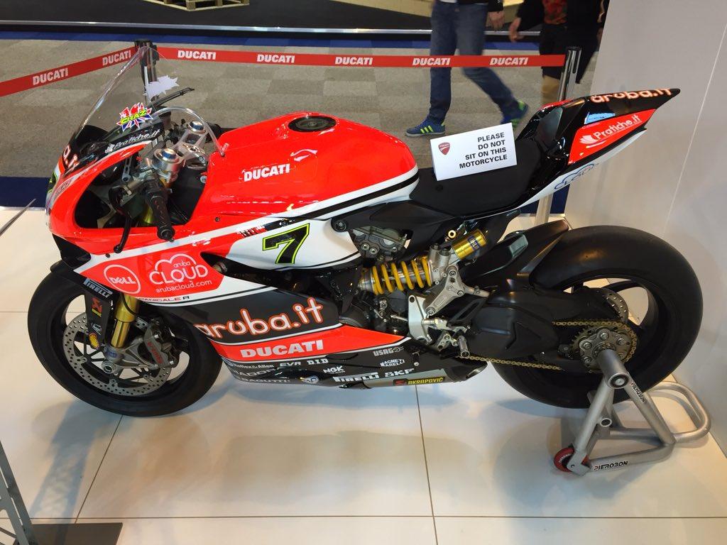 @chazdavies bike looking amazing @motorcyclelive - @ducatigirl78 https://t.co/FpxRdkPci6