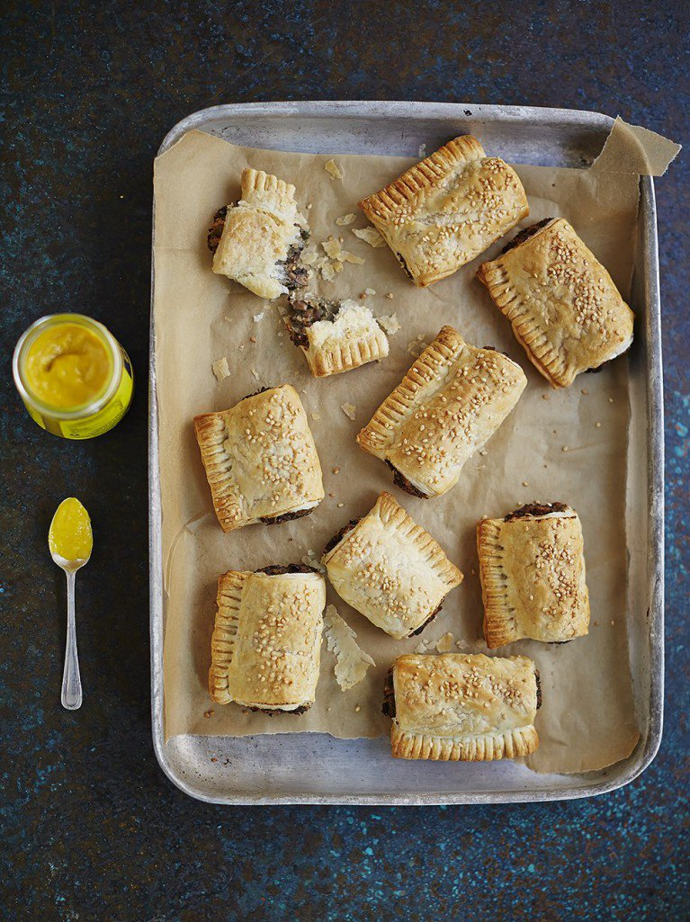 Today's #RecipeoftheDay is a twist on classic sausage rolls, with a herby mushroom filling: https://t.co/SHRWuKRmxF https://t.co/hqy7dSVJRz
