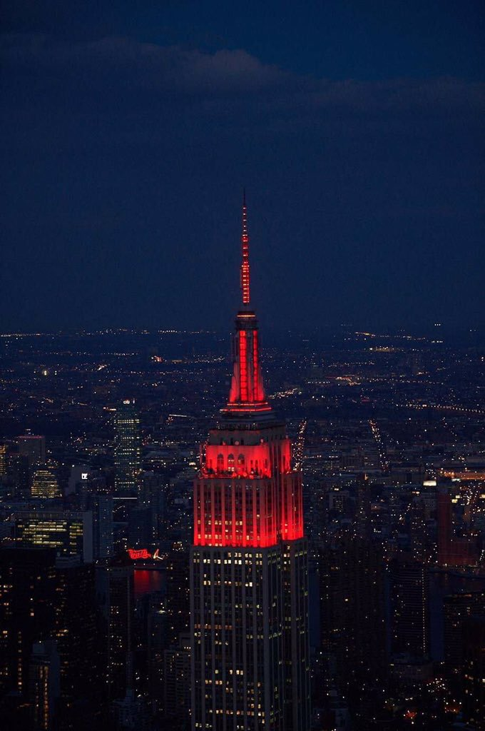 Today is #WorldAIDSDay. Last night the @EmpireStateBldg was lit in a deep red to mark this important occasion. https://t.co/ao6slo073x