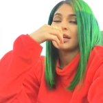كايلي تضع بصمتها في احتفالات العيد الوطني الاماراتي❤️🇦🇪 https://t.co/srbFejqm3g