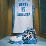 The Tar Heels will wear these new @jumpman23 shoes tonight vs. Maryland #uncbball https://t.co/xYRAZBpSJE https://t.co/P6jRSXplAn