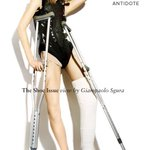 Also, Im sorry, but Hanne Gaby Odiele in (medically necessary) crutches and cast >>> Kylie Jenner in a wheelchair: https://t.co/dcmMwivnd6