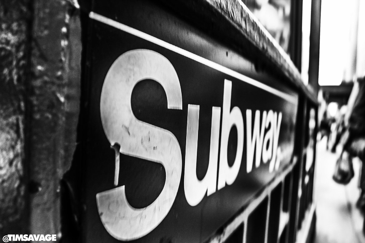 Beautiful photo in #NYC by @timsavage. #Subway https://t.co/okDyKJUido