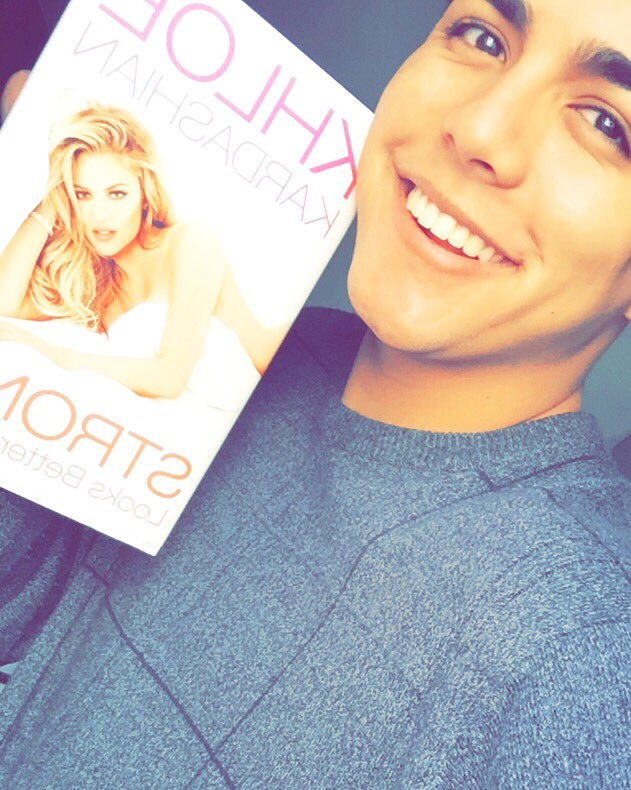 RT @Armondshiloh: @khloekardashian best book I've ever read by such an amazing author ????#StrongLooksBetterNaked #KUWTK https://t.co/RI37saTy…