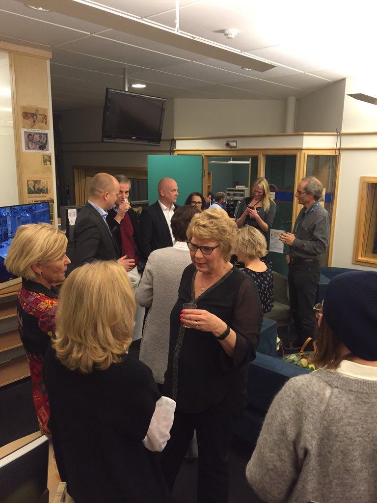 Alle vil takke Anne Grosvold for hennes fantastiske innsats i og for NRK. En legende takker av i #dax18 https://t.co/SZjB87206m