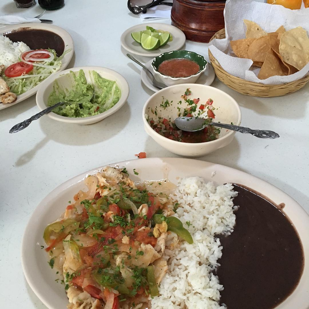 @PortholeCruise A7 Eating! Love the food in Cozumel #CruiseChat https://t.co/7gbKlEVvt7