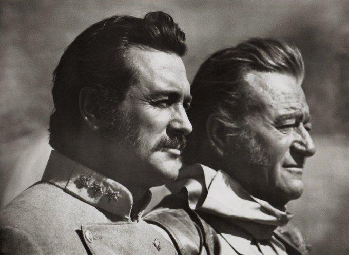 Bona nit. Rock Hudson & John Wayne https://t.co/QxPt6uXAbv