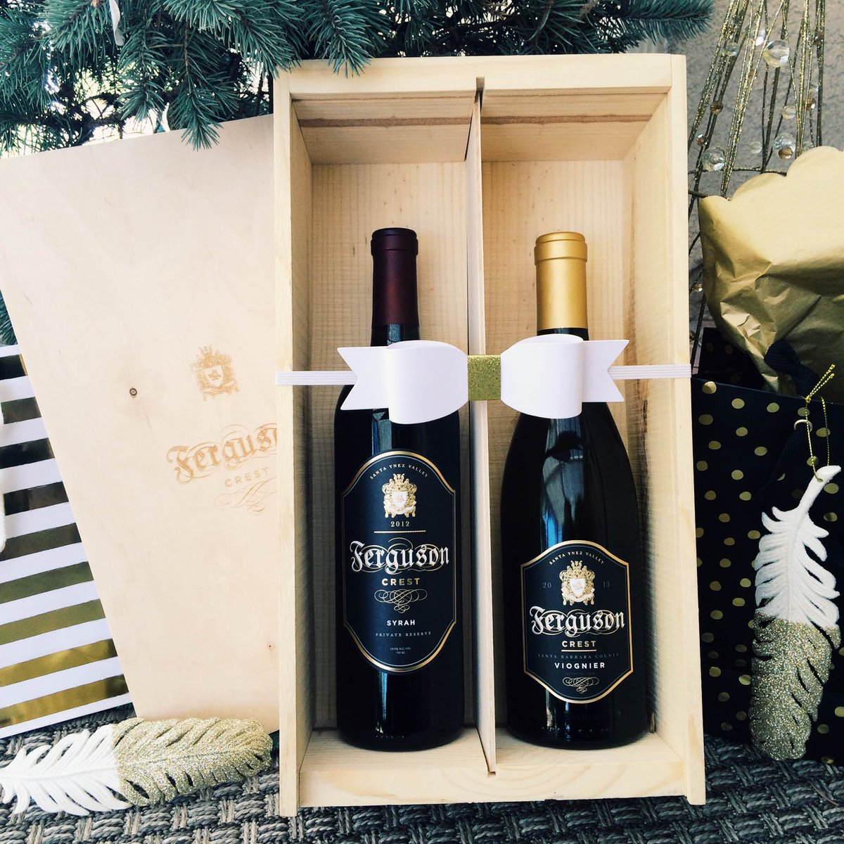 RT @FergusonCrest: Some1 dreaming of a #wine #Christmas? Give the #perfectgift!#christmaswine #winegift #fergie https://t.co/xcE0X8phhT htt…